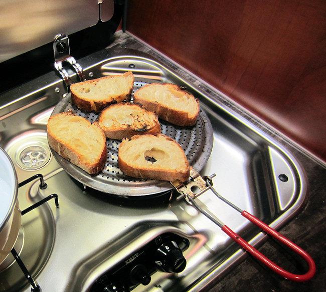 Comment griller le pain sans grille-pain ?